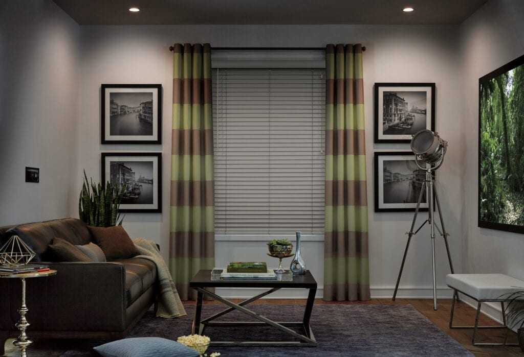 Parkland® Wood Blind with DeLight™ feature